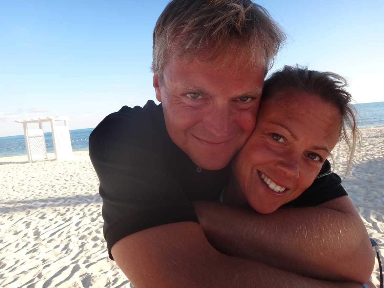 FLASHPACKER | Karin und Henning am Strand auf den Bahamas