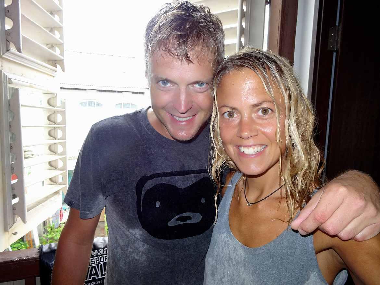 FLASHPACKER | Karin und Henning nass vom Platzregen in Penang in Malaysia