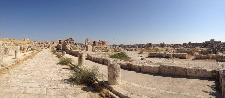 Jordanien | Panorama mit alten Tempelruinen auf dem Zitadellenhügel in Amman
