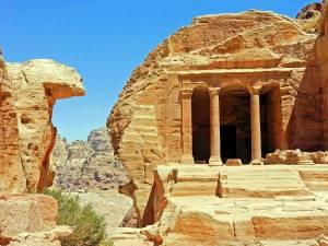 Weltwunder Petra in Jordanien | Typisches Grab in der Felsenstadt