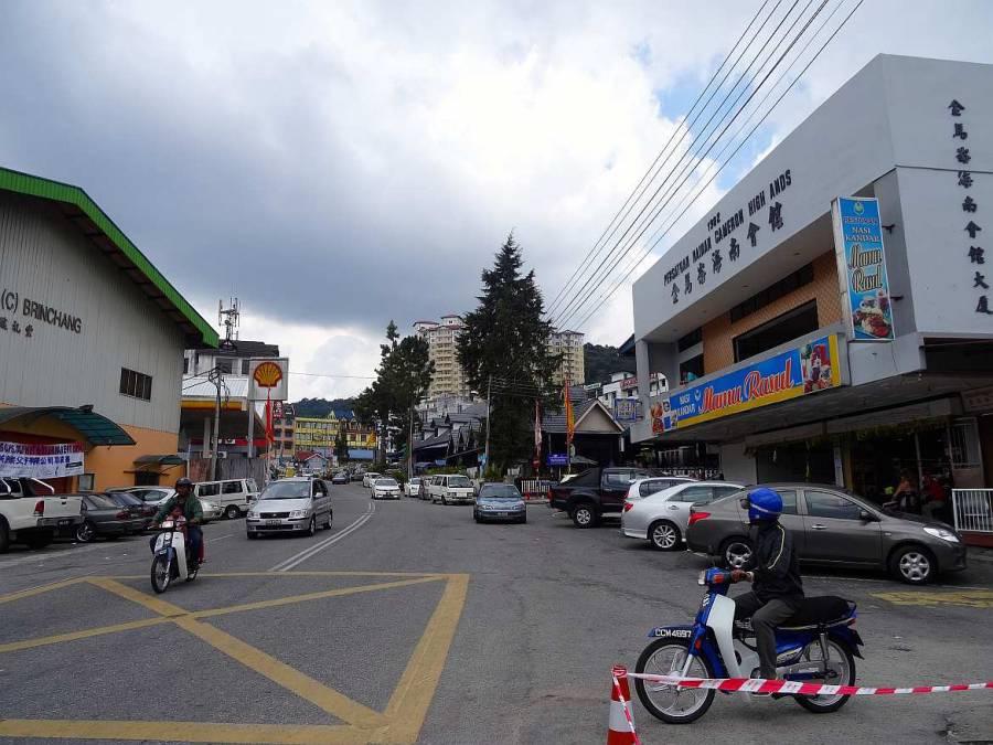 Malaysia | Brinchang, Cameron Highlands. Der zweitgrößte Ort neben Tanah Rata. Restaurants und Shops entlang der Hauptstraße