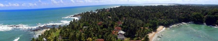 Sri Lanka | Panoramablick auf die Palmen, Buchten und Strände der Westküste vom Leuchturm in Dondra