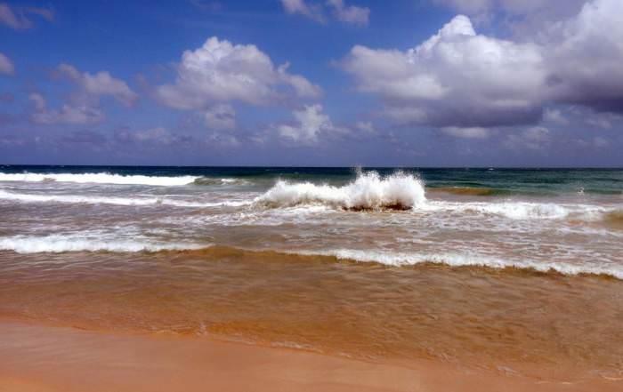 Sri Lanka | Die drastische Brandung vom Uppuveli Beach