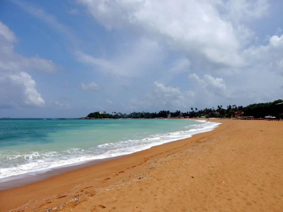 Sri Lanka | Der wundervolle Unawatuna Beach vor perfekter Palmenkulisse