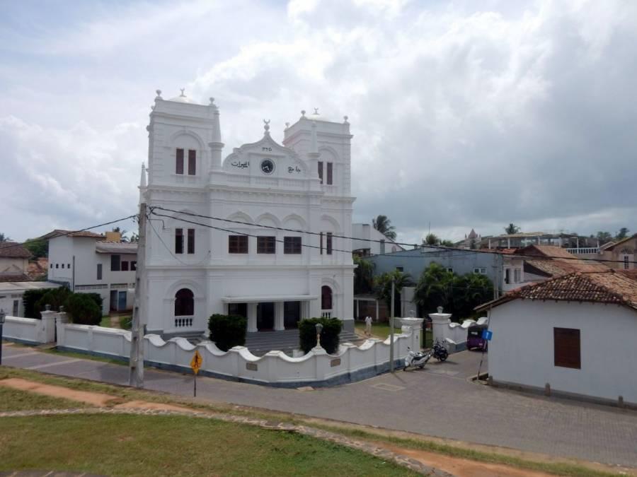 Sri Lanka | Die mediteran anmutende strahlend weiße St.Marys Kathedrale in Galle
