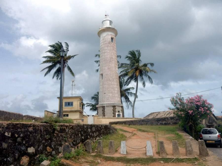 Sri Lanka | Der Leuchtturm von Galle vor idyllischen Palmen