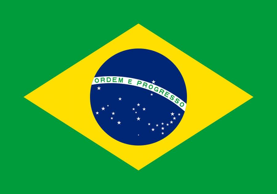 Brasilien Reise- und Länderinformation. Brasilien Flagge. Grün mit einem gelben Rechteck in der Mitte auf dem ein blauer Kreis mit weißen Sternen und der Aufschrift