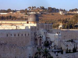 Jerusalem | Die al-Aqṣā-Moschee mit dem Ölberg im Hintergrund
