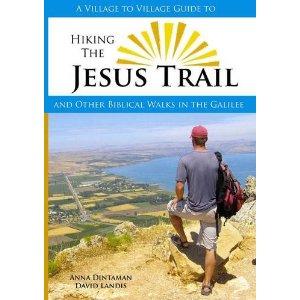 Jesus Trail | Cover-Bild des Guidebooks zum Weg mit einem Wanderer der vom Berg auf den See Genezareth schaut