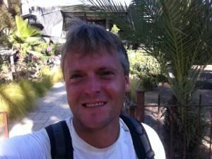 Jesus Trail | Henning freut sich lächelnd über die Ankunft in Kapernum