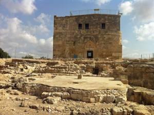 Jesus Trail | Römische Zitadelle auf dem Hügel einer Ausgrabungsstätte