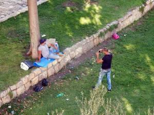 Israel | Bild wie zwei Freunde sich gegenseitig fotografieren