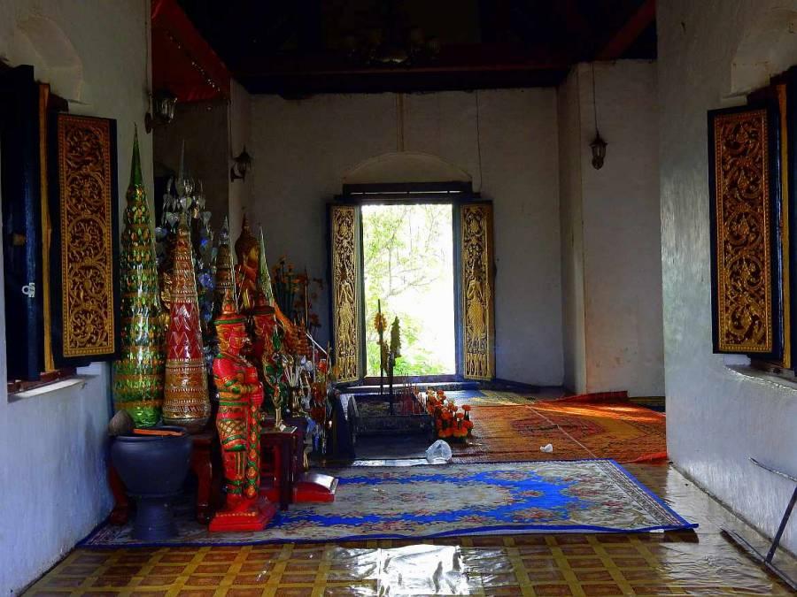 Laos | Wat Tham Phousi auf dem Mount Phousi in Luang Prabang