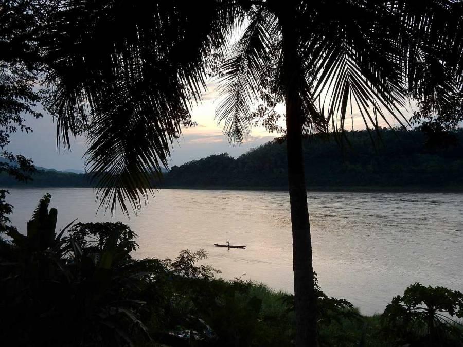 Laos | Sonnenuntergang am Mekong in Luang Prabang