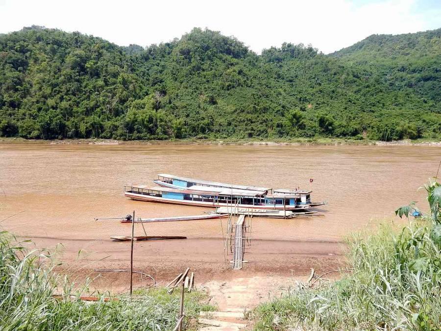 Laos | Pier im Mekong zur Rückfahrt von den Pak ou Höhlen