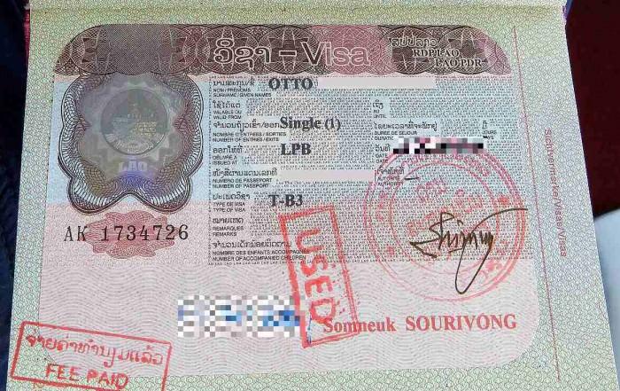 Laos | Visum, Stempel im Reisepass, den wir beim Grenzübergang von Thailand nach Laos an der Grenze bekommen haben