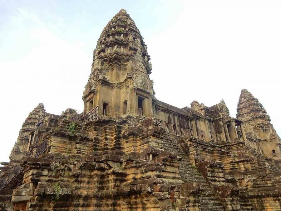 Kambodscha | Steiler Aufstieg zum Tempel Angkor Thom