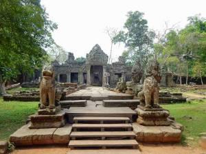 Kambodscha | Terrassen von Angkor Thom mit Tieren aus Stein am Wegesrand