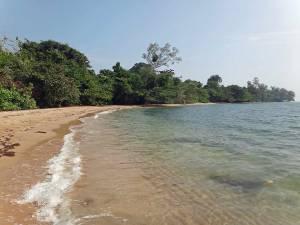 Kambodscha | Koh Thmei einsamer Strand so weit das Auge reicht