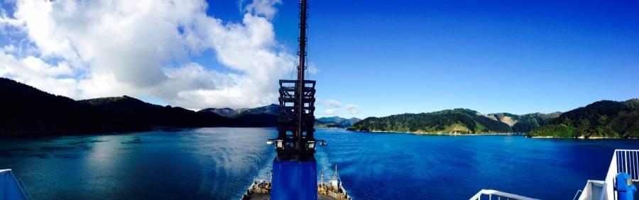 Neuseeland | Südinsel, Panorama von der Fähre von Picton nach Wellington auf die Marlborough Souds durch die Cookstraße