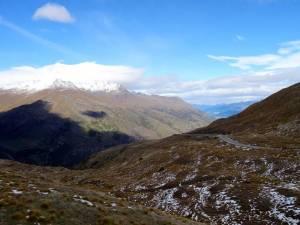 Neuseeland | Südinsel, Fahrt durch Berge von Queenstown nach Wanaka