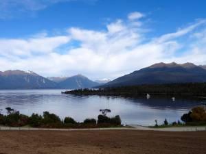 Neuseeland | Südinsel, Lake Te Anau Panoramablick auf schneebedeckte Berge