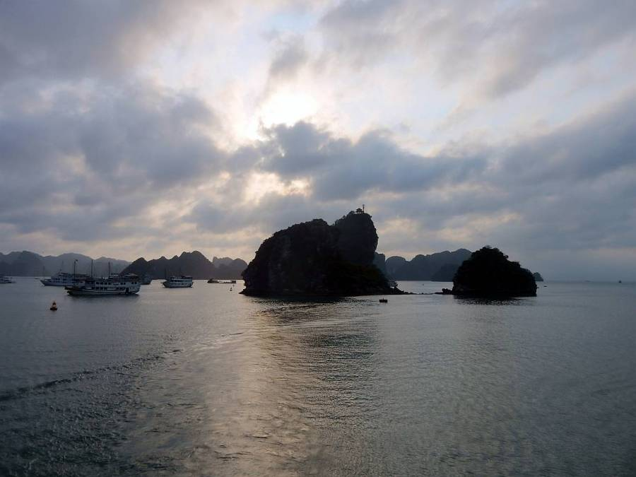 Vietnam | Norden, Sonnenuntergang in der Ha Long Bay