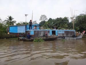 Vietnam | Süden Menschen bei der Arbeit auf dem Mekong bei Can Tho