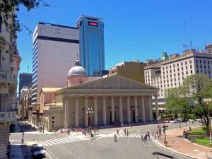 Buenos Aires | Sehenswürdigkeiten: Die wunderschöne Kathedrale am Plaza de Mayo
