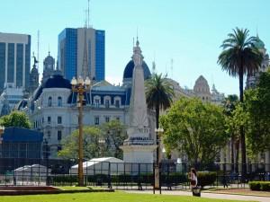 Buenos Aires | Sehenswürdigkeiten: Die Pyramide ist das Herz des Plaza de Mayo