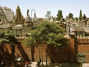 Buenos Aires | Sehenswürdigkeiten: Blick auf den Friedhof von Recoleta mit seinem imposanten Gräbern