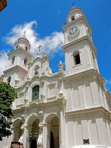 Buenos Aires | Sehenswürdigkeiten: Die wunderschöne weiße Iglesia San Ignacio in San Telmo