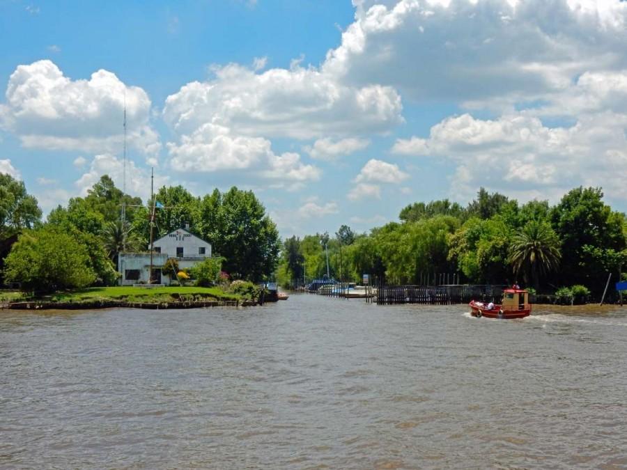Argentinien | Die zahlreichen grünen Inseln des Tigre Deltas lassen sich am besten per Boot oder Kayak erkunden