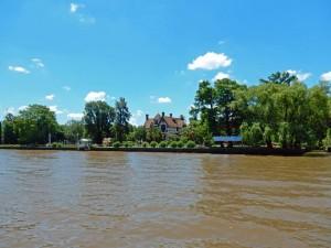 Argentinien | Auf den Inseln des Tigre Deltas finden sich zahlreiche Hotels und Restaurants, wie in diesem nobel anmutenden Herrenhaus