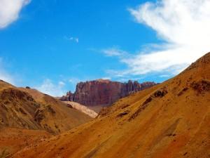 Argentinien | Bus Santiago - Mendoza, Felswand am Paso Internacional Los Libertadores bzw. Uspallata Pass