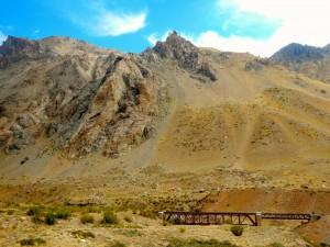 Argentinien | Bus Santiago - Mendoza, Bahnbrücke am Paso Internacional Los Libertadores bzw. Uspallata Pass