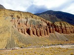 Argentinien | Bus Santiago - Mendoza, Felsen am Paso Internacional Los Libertadores bzw. Uspallata Pass