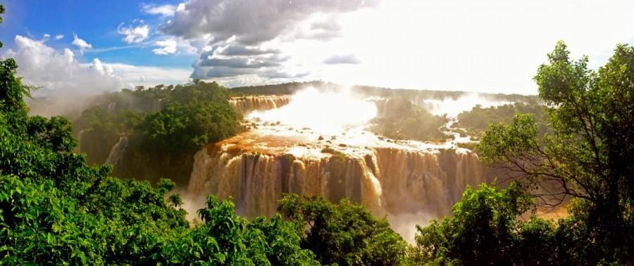 Brasilien | Panorama der Wasserfälle vom Cararatas Trail im Parque Nacional Iguacu in Brasilien