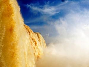 Brasilien | Der tosende Floriano-Wasserfall im Parque Nacional Iguacu aus der Nähe