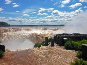 Argentinien | DIe alte Plattform am Garganta Diabolo (Teufelsschlund) hat es dahingerafft