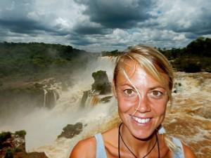 Iguazu-Wasserfälle | Auf dem Paseo Superior im Parque Nacional Iguazu kommt man sehr nah an die Fälle heran