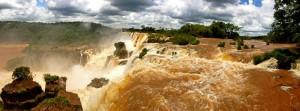 Argentinien | Panorama der Naturgewalt vom Paseo Superior im Parque Nacional Iguazu