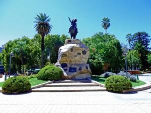 Mendoza | Sehenswürdigkeiten: Reiterdenkmal am Plaza San Martin