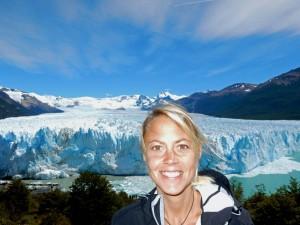 Argentinien | Patagonien, Karin vor dem Perito-Moreno-Gletscher bei El Calafate