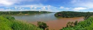 Argentinien | Hito Tres Fronteras, Panorama des Dreiländerecks zwischen Paraguay, Brasilien und Argentinien in Puerto Iguazu