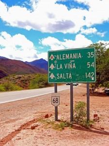 Argentinien | Wegweiser nach Alemania auf der Quebrada de los Conchas