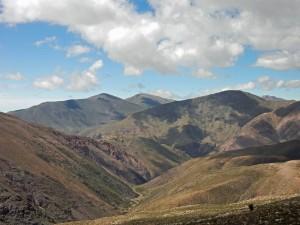 Argentinien   Panorama am Altos de Morado Pass auf dem Weg von Salta zu den Salinas Grandes