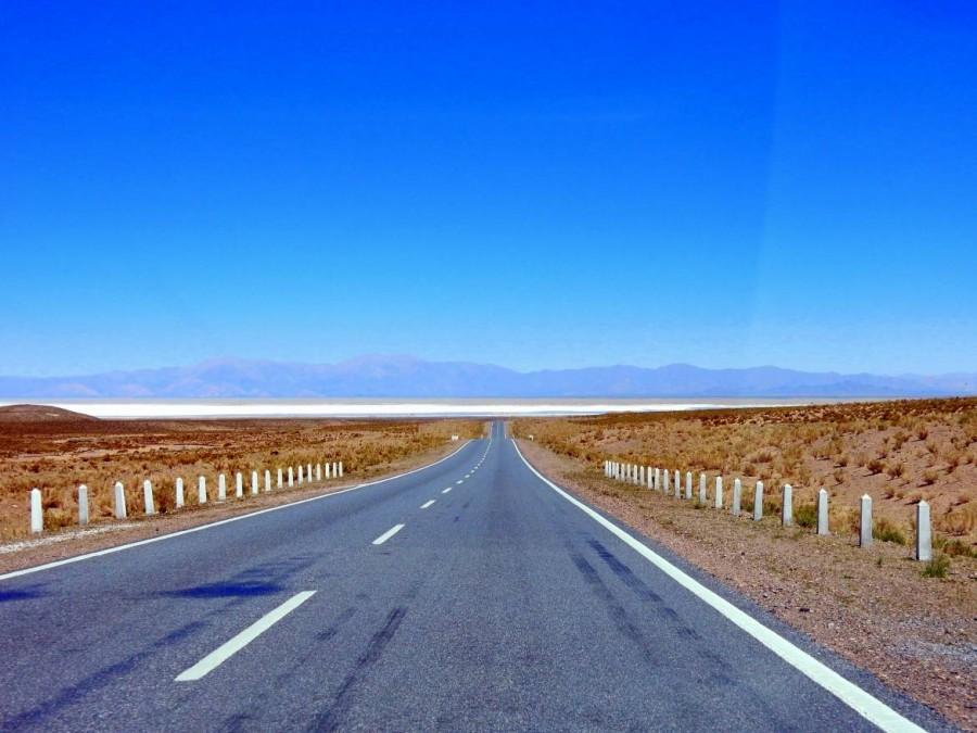 Argentinien   Straße von Purmamarca über den Pass Altos del Morado zu den Salinas Grandes