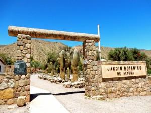 Argentinien | Eingang zum Botanischen Garten in der Nähe der Pucara de Tilcara. Der Garten gibt einen Überblick über die Pflanzen der Quebrada de Humahuaca