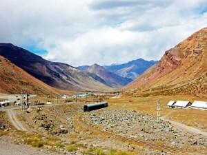Chile | Bus Santiago - Mendoza, Bahnstrecke am Paso Internacional Los Libertadores bzw. Uspallata Pass